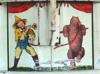 Der Trompeter und sein Tanzbär / The bugle call player and his dancing bear
